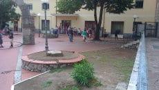 Fila davanti l'ufficio postale di Itri il 1 settembre 2014 001