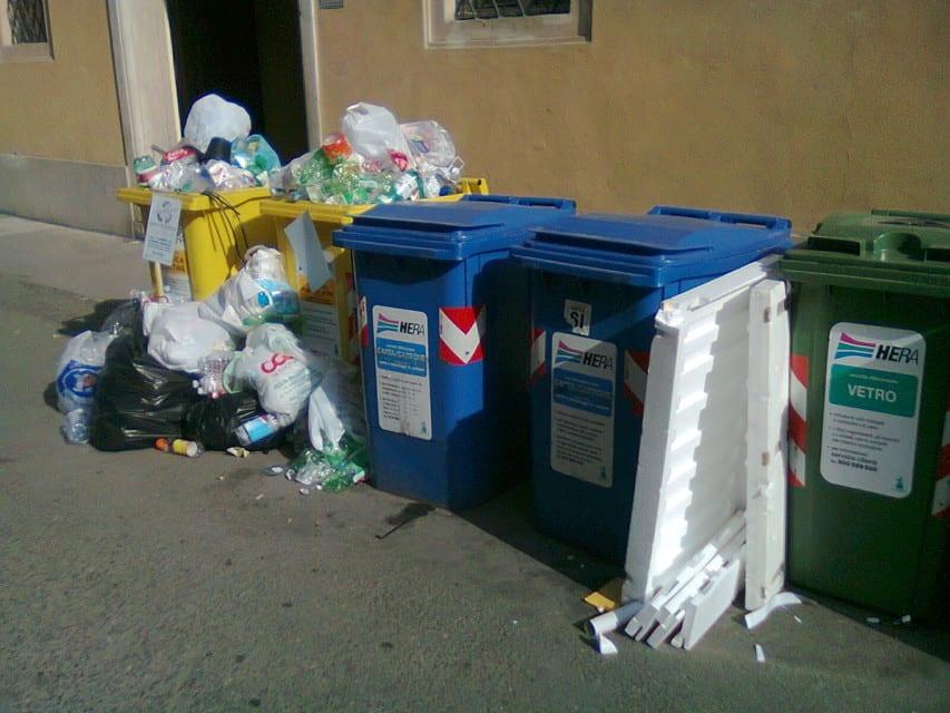 Rifiuti, la Regione diffida Rida Ambiente: Deve ripristinare subito il servizio