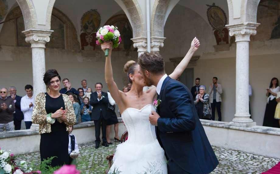 Matrimonio Spiaggia Sperlonga : Tutti si sposano a cori la città dei matrimoni