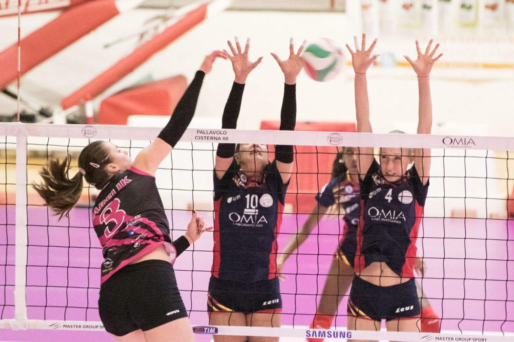 Volley a2f l 39 omia volley vola a trento h24 notizie for Martinelli mobili trento