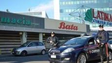 Carabinieri presso il centro commerciale Latina Fiori