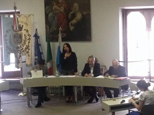 Il sindaco Anna Maria Bilancia in occasione del primo Consiglio comunale a Priverno