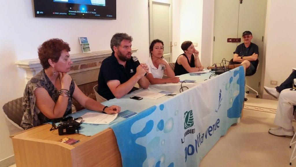 Un momento della conferenza stampa di Legambiente tenuta a Terracina