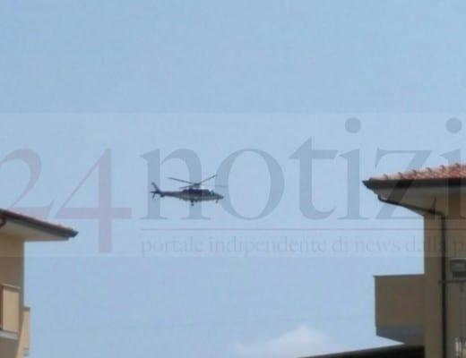 L'elicottero dei carabinieri sorvola Fondi