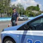 Fermato per controlli tenta di truffare la pattuglia della Polizia, denunciato