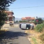 Incidente sulla Fondi-Sperlonga, auto si ribalta: illesa la conducente