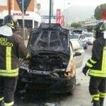 Incendio auto in prossimità del mercato settimanale di Formia