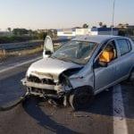 Grave incidente allo svincolo di via Nettunense: 11enne elitrasportato a Roma