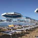 Adesso si possono sanificare stabilimenti balneari e campeggi, l'ordinanza della Regione