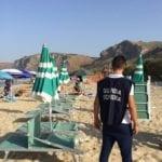 Gaeta, spiaggia occupata abusivamente: sequestri e tre denunce