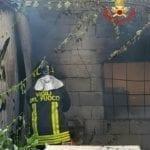 A fuoco un container adibito a ufficio vendite in via Giovenale a Santo Janni