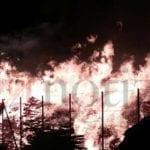 Incendio in un deposito di legname sulla Pontina: fiamme altissime (FOTO-VIDEO)