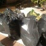 Casapound pulisce via Diritto Portico nel centro storico di Minturno