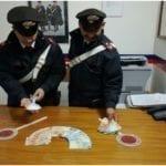 Beccato con 32 grammi di cocaina e 3mila e 500 euro in contanti, arrestato 37enne