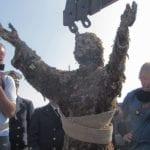 Dai fondali blu la statua del Cristo del Circeo torna in superficie