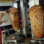 Controlli nella kebabberia, multe per oltre 3mila euro