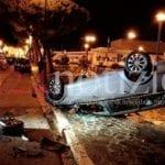Gaeta, Audi in corsa travolge altre macchine. Una si ribalta (LE FOTO)