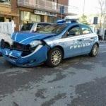 Fondi, incidente tra una volante della polizia e un'utilitaria
