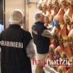 """Prosciutti """"col trucco"""", una denuncia dei carabinieri del Nas"""
