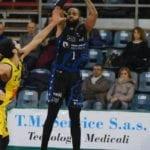 Basket, la Benacquista Latina sconfitta di misura in trasferta