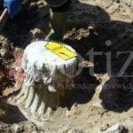 Sperlonga: va a pescare, dalla spiaggia spunta un antico capitello – VIDEO