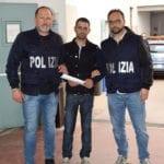 Terracina, sorpreso a rubare in casa: inseguito e arrestato dalla Polizia