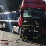 Incidente tra camion sull'Appia: intervengono i vigili del fuoco