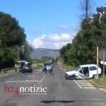 Fondi, incidente al semaforo sulla Flacca: due feriti, 96enne in codice rosso