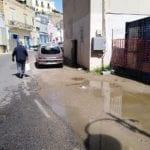 Perdita d'acqua, strada provinciale allagata da quattro giorni