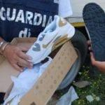 Calzature contraffatte: la Guardia di Finanza ne sequestra oltre 20.000 paia