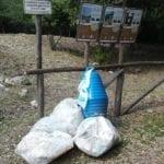 Formia, rifiuti nell'area protetta: la denuncia