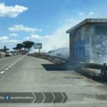 Pontina da incubo: incendi e traffico congestionato