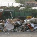 Piattaforma ecologica e pericoli: ambientalisti e cittadini dai carabinieri