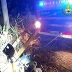 Con l'auto nel canale a Tor Tre Ponti: muore una ragazza