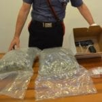 In macchina con oltre 2 kg di maijuana: in manette un uomo e la sua complice