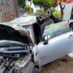 Auto contro un albero: muore un 22enne, grave un 18enne