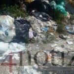 Cumuli di rifiuti abbandonati nella zona industriale tra Penitro e Scauri (#FOTO)