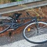 Incidente mortale a Latina: ciclista travolto ed ucciso sulla Pontina