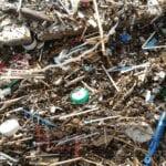 Prima arrivano le mareggiate e poi…un mare di plastica