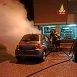 Auto distrutta dalle fiamme a Latina. Giallo sulle cause