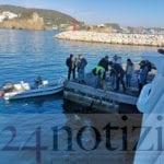 Sporcizia e rifiuti nel porto di Ponza: l'aliscafo messo in tilt