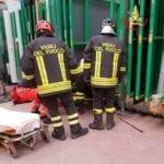 Operaio incastrato in un macchinario, il soccorso dei Vigili del Fuoco #VIDEO