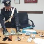 Marijuana e cocaina, 20enne arrestato per spaccio