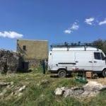 Parco di Gianola come un campeggio, soggiorno fai da te nel sito archeologico