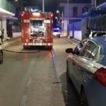 Incendio serale a Fondi: fiamme in un magazzino