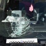 Cerca di portare via la figlia, poi assalta l'auto dell'ex compagna: arrestato fuori l'asilo
