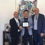 Fondi, Il sindaco De Meo premia l'allenatore di serie A di basket Iacozza