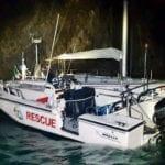 Barca finisce sugli scogli a Palmarola, paura per 4 velisti