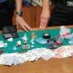 Fondi, pusher sorpreso ed arrestato mentre cede una dose di stupefacenti