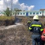 Treni al ralenti, abitazioni e serre minacciate: Fondi assediata dagli incendi di Ferragosto